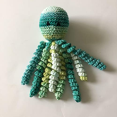Preemie babies comforted by crocheted octopi in hospital - CNN   500x500