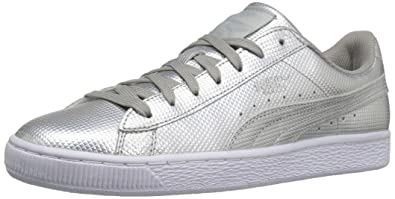 PUMA Men s Basket Classic Holographic Fashion Sneaker Silver 4d308db56