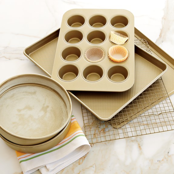 Williams-Sonoma​ Goldtouch® Nonstick 6-Piece Essentials Bakeware Set | Williams-Sonoma​