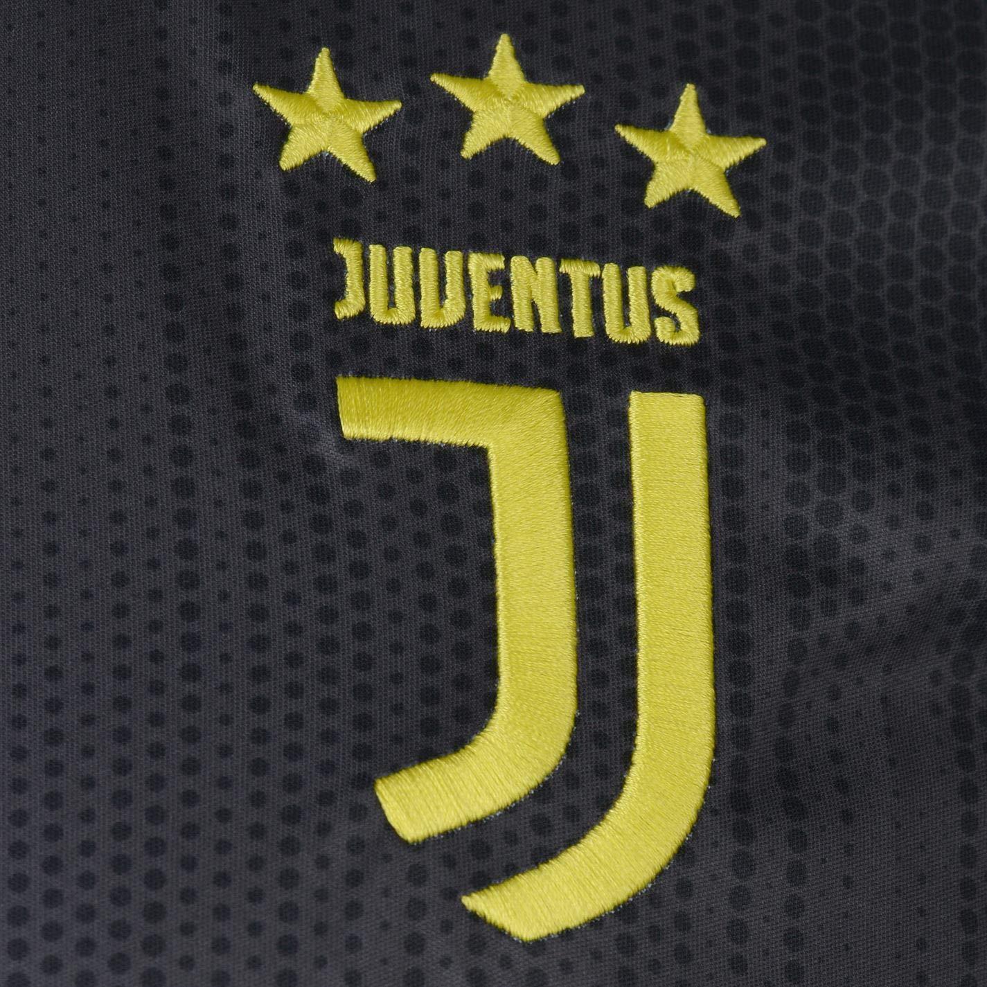 177334805 adidas Men s Juventus Turin Ausweichtrikot Replica Shirt  Amazon.co.uk   Sports   Outdoors