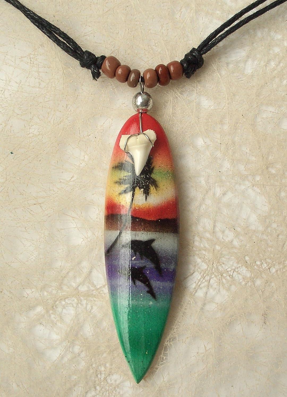 COLLAR CON COLGANTE TABLA DE SURF PINTADO A MANO DE MADERA CON DIENTE DE TIBURON PIEZA UNICA: Amazon.es: Handmade