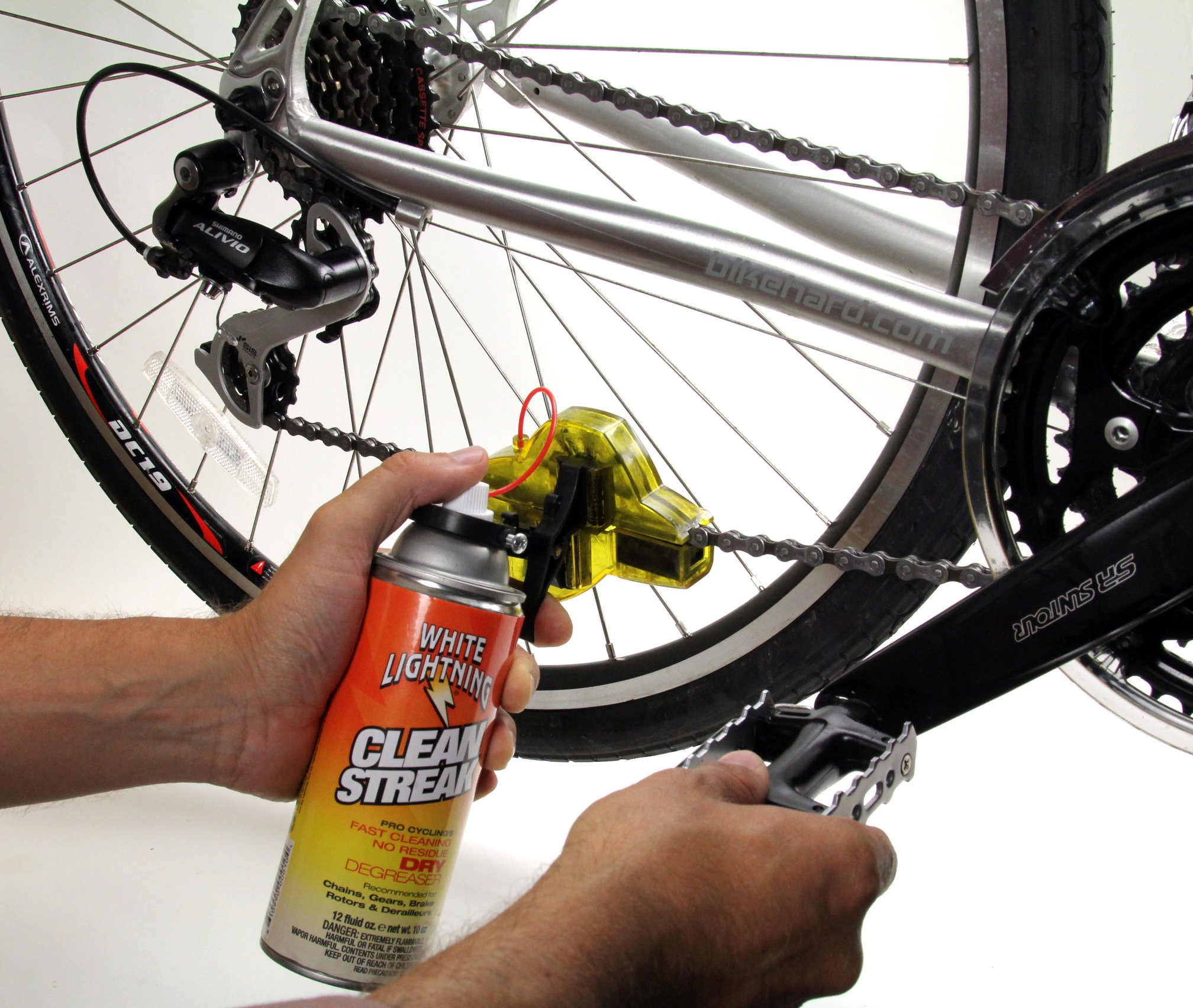 White Lightning Trigger Bicycle Chain Cleaner with 12-Ounce Clean Streak by White Lightning (Image #3)