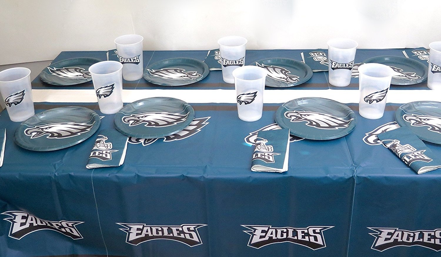 Philadelphia Eagles 49 piece Dad's birthday party set, includes Tablecloth, 16 cup, 16 plate and 16 napkins.