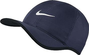Nike - Feather Light casquette de tennis pour hommes (bleu foncé ... 69c074db0dc6