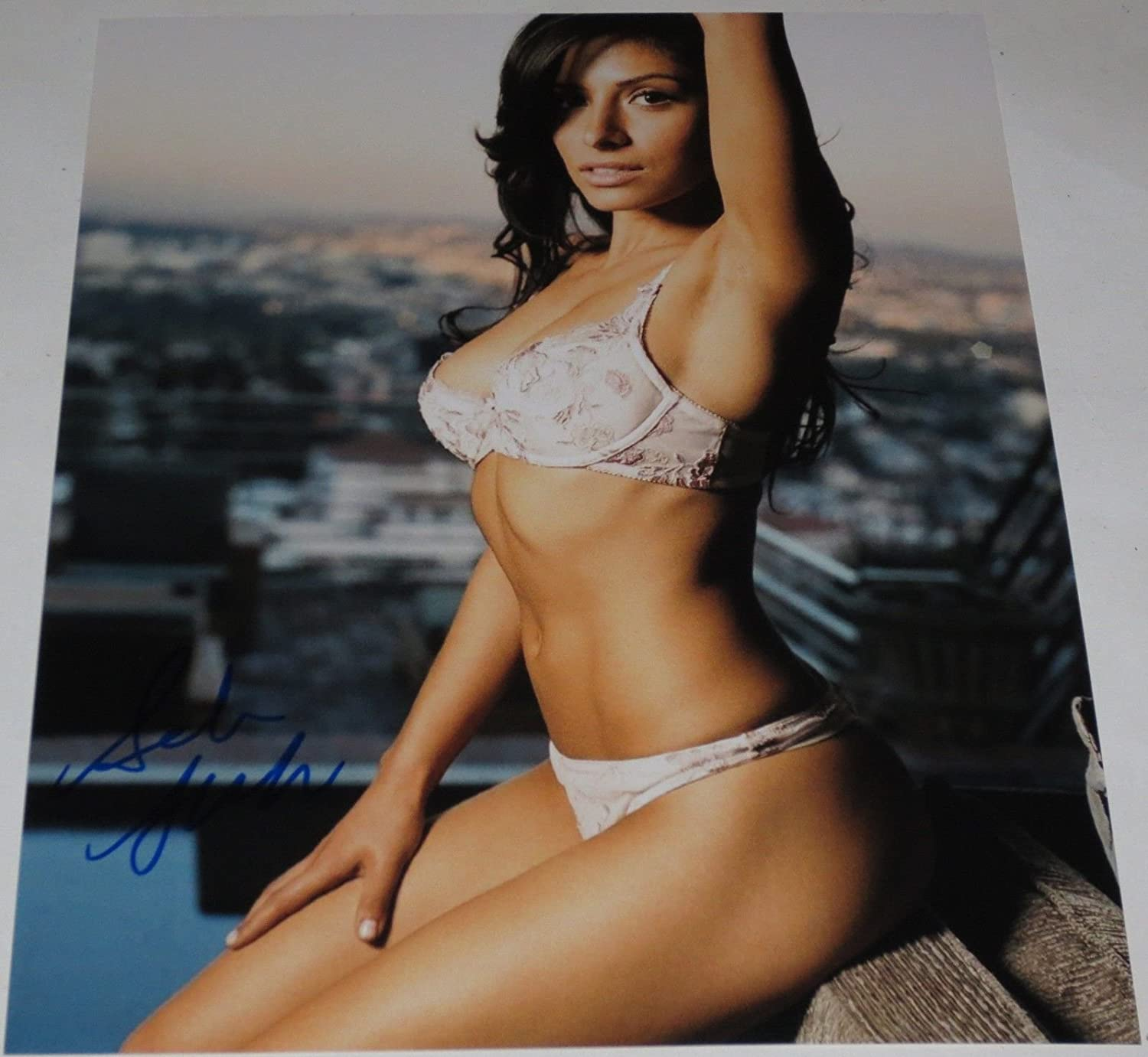 Hot Sexy Sarah Shahi Signed 8x10 Photo Authentic Autograph Fairly