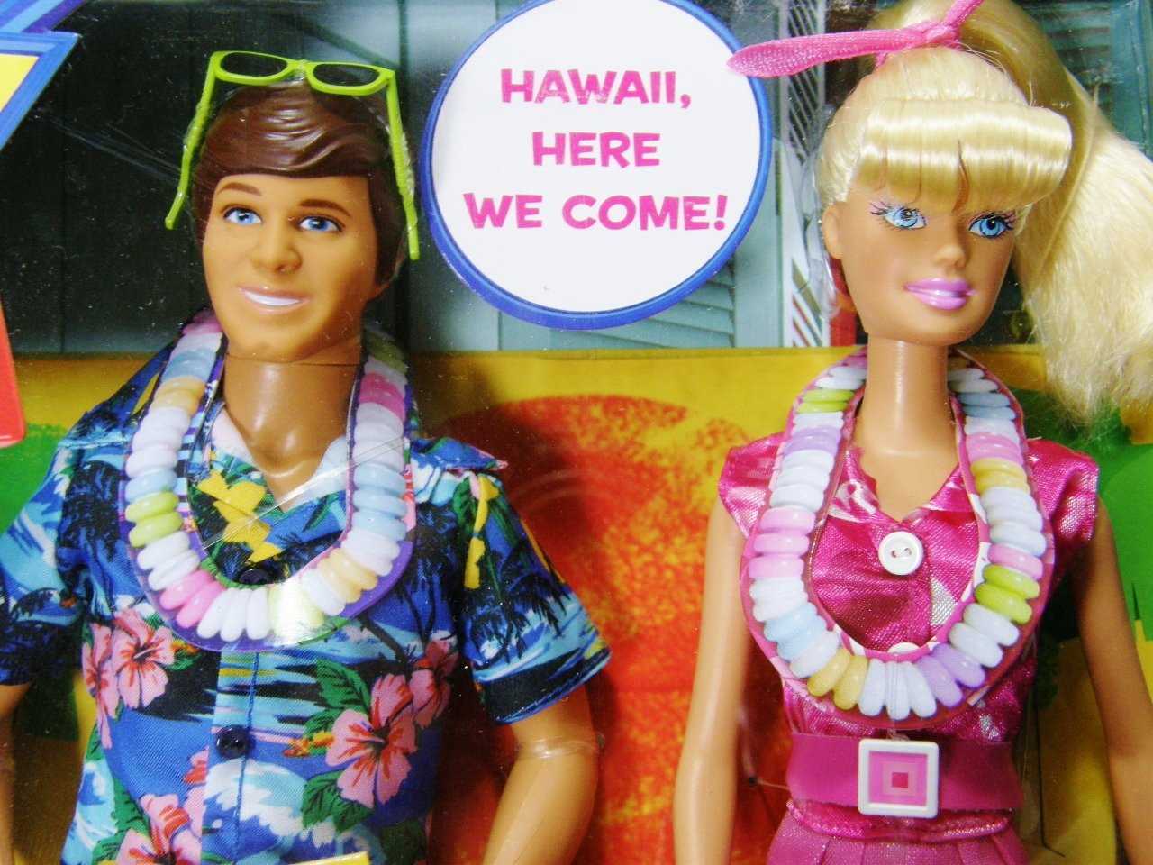 Disney W1493 Toy Story Barbie and Ken Hawaiian Vacation Doll Giftset  Amazon.co.uk   Toys   Games 46b248d656a
