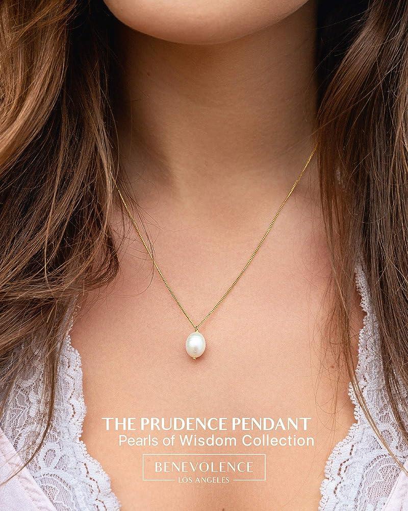 Pearl necklace Golden Beginning