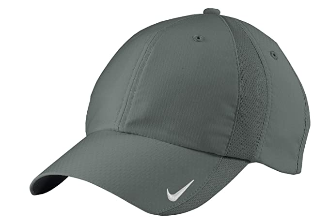 Amazon.com  NIKE Sphere Dry Hat Mens Adjustbale Cap 247077 ... ea169629025
