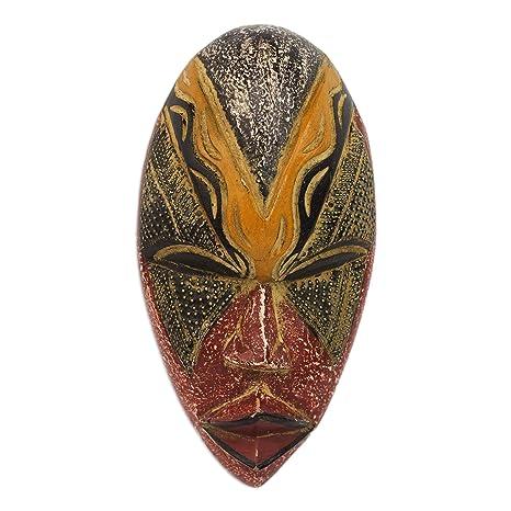 Amazon.com: NOVICA Ghana Máscara de madera decorativos ...