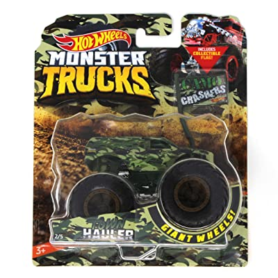 Hot Wheels Monster Trucks Town Hauler Camo Crashers 5/5 with Collectible Flag: Toys & Games