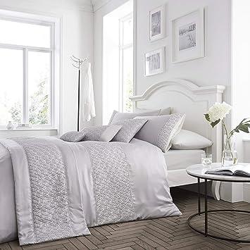 Copripiumino Elegante.Amazon Com Happy Linen Company Sequin Diamante Trim Luxury Silver