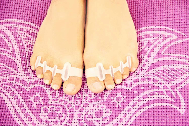 Toe Separators for Bunion Corrector Plantar Fasciitis Hammer Toes Yoga Sports - Gel Toe Spacers Stretchers Straightener Spreaders Pads for Men Women