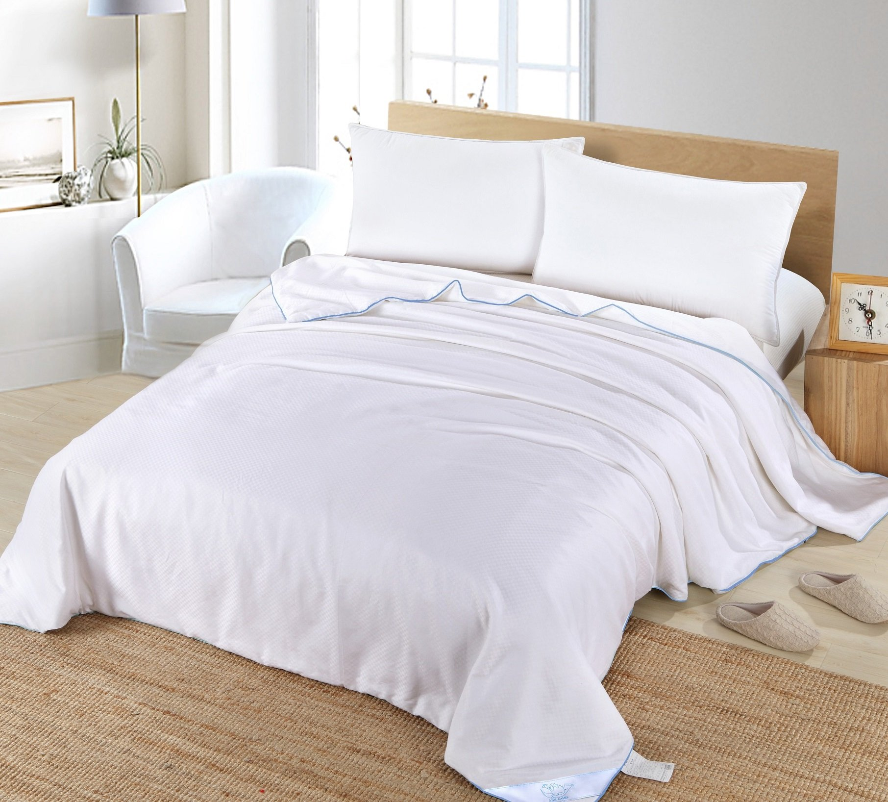 Silk Camel Luxury Allergy-free Comforter / Duvet Filling with 100% Natural long strand mulberry Silk for Summer Season - Queen Size