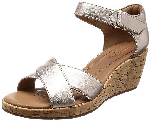 fea212daab68 Clarks Women s Un Plaza Cross Gold Metallic Leather Fashion Sandals-3  UK India (
