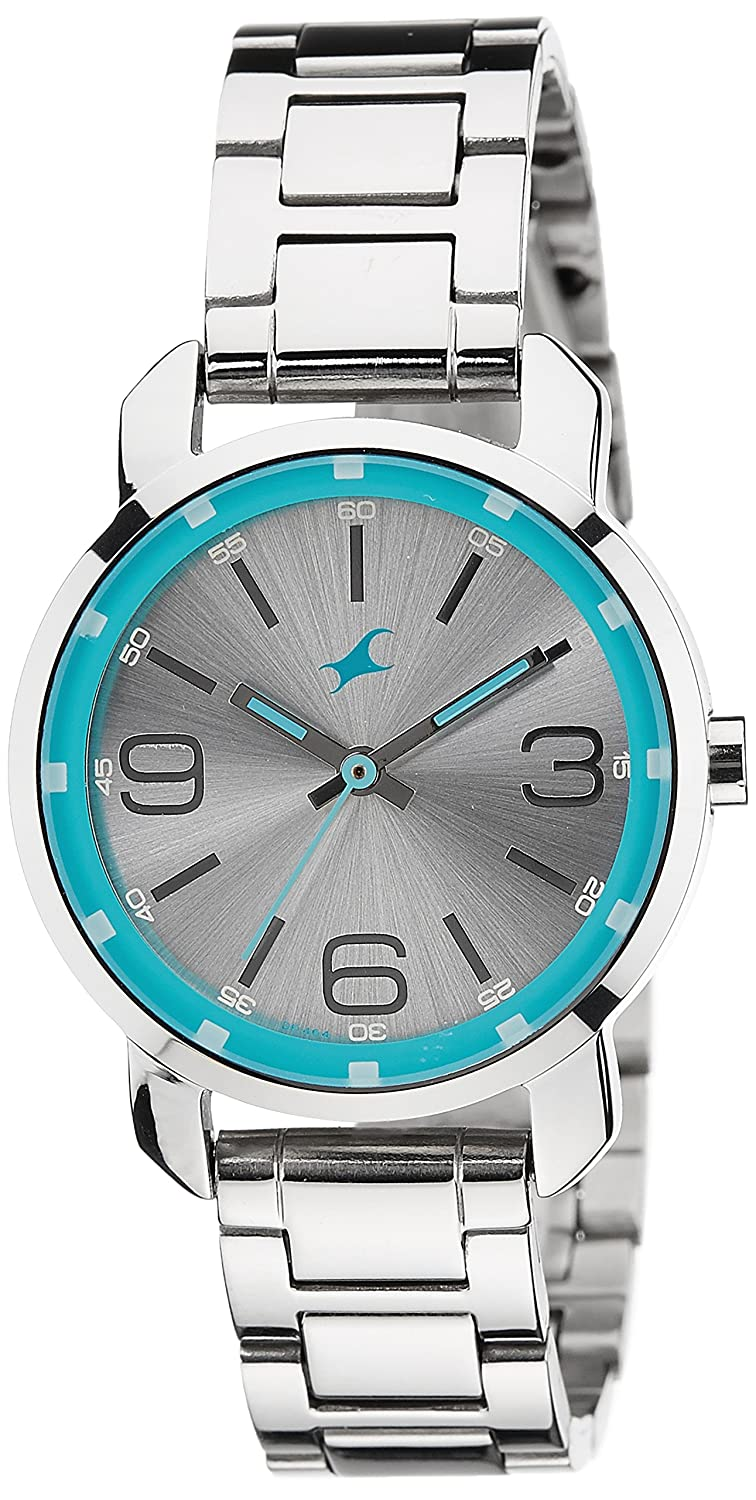 9487293c8 Buy Fastrack Analog Silver Dial Women s Watch -NK6111SM01 Online at Low  Prices in India - Amazon.in