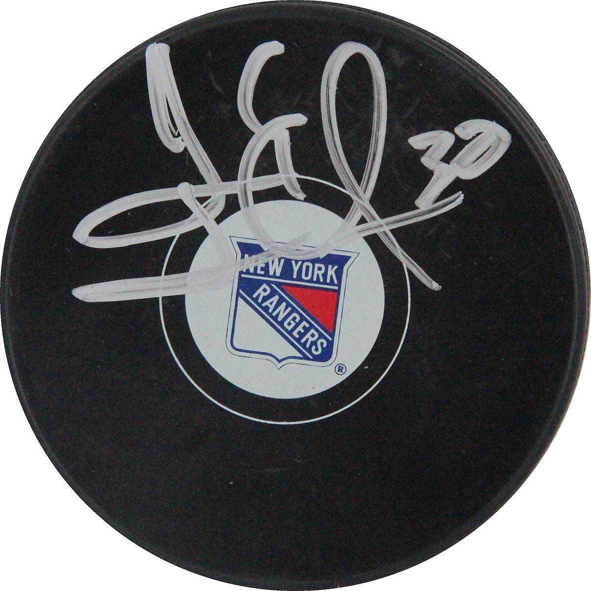 NHL New York Rangers Henrik Lundqvist Signed Hockey Puck Steiner Sports LUNDPUS000026