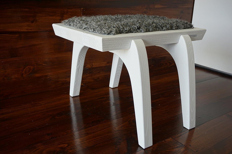 Minimalistisch Weiß Eichenholz Hocker / Stuhl mit echtem geschweiften Silber Schwedischen Gotland Schaffell - Designermöbel von MILABERT (S051601)