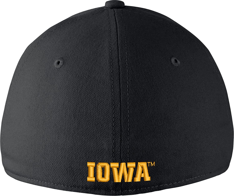 the best attitude e8274 30fd9 Amazon.com  Nike Men s Iowa Hawkeyes Black Dri-FIT Wool Swoosh Flex Hat -  OneSize  Sports   Outdoors