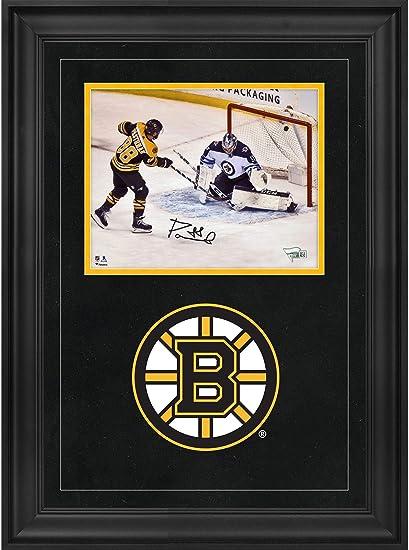 cdb0a41e David Pastrnak Boston Bruins Deluxe Framed Autographed 8