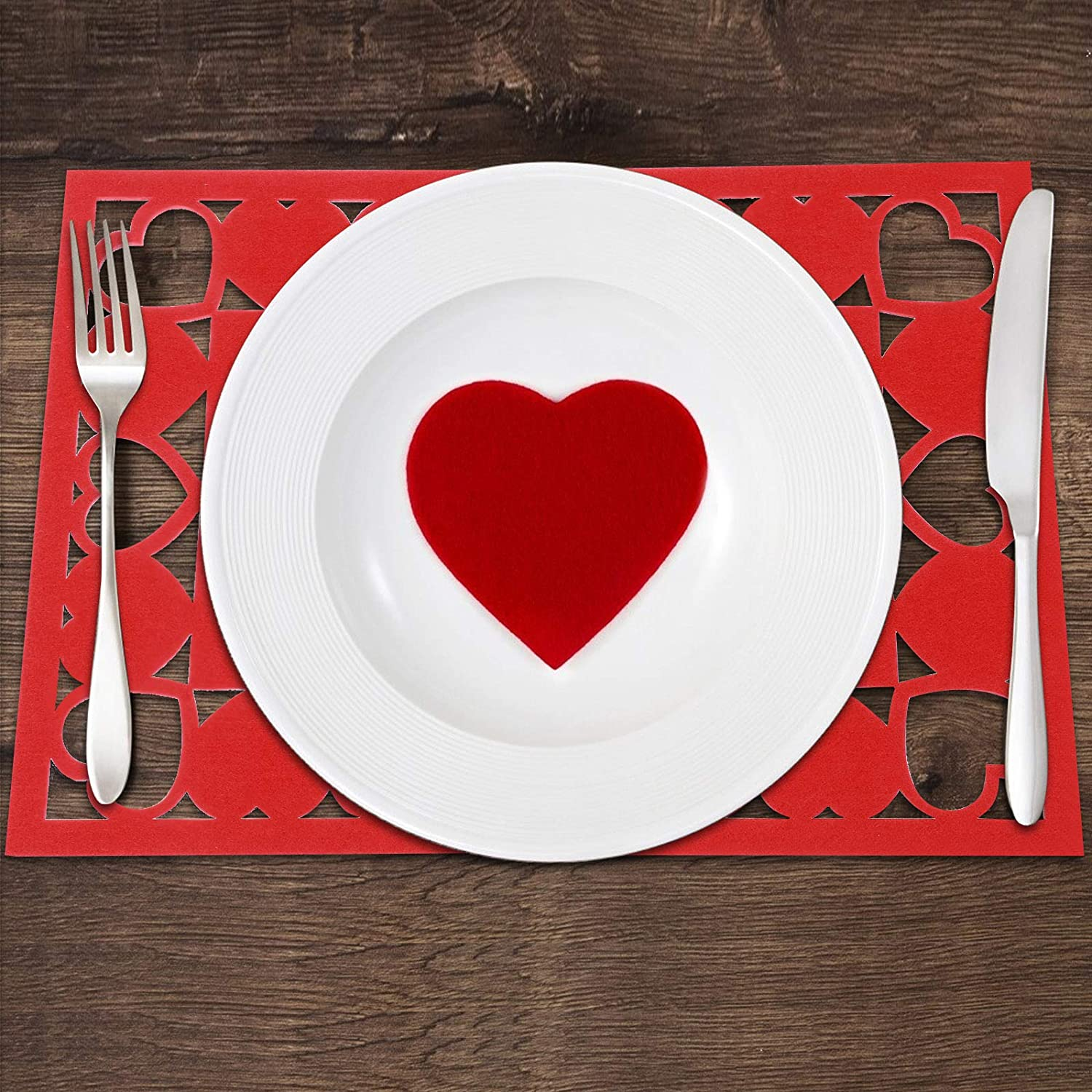 Valentines Day Romantic Dinner Meal 2 Round Red Felt Placemats /& Heart Coasters