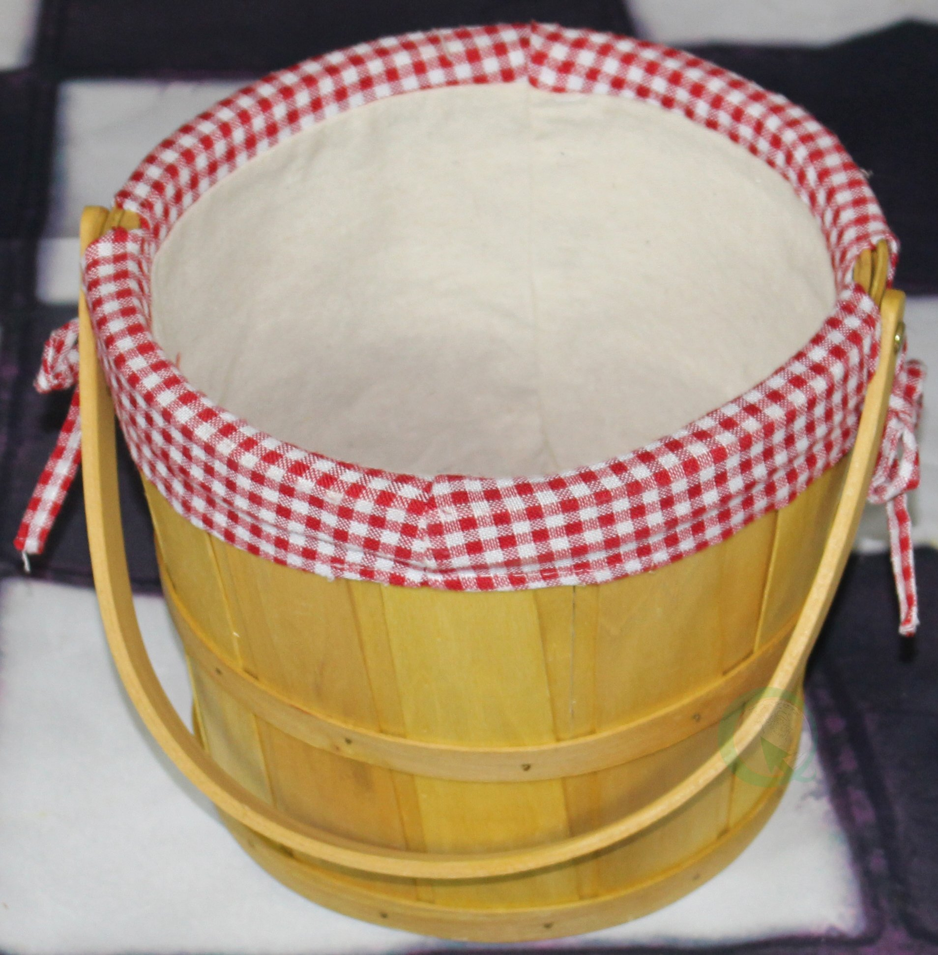 Vintiquewise(TM) Woodchip Bushel Basket with Red Ginghan Lining by Vintiquewise (Image #4)