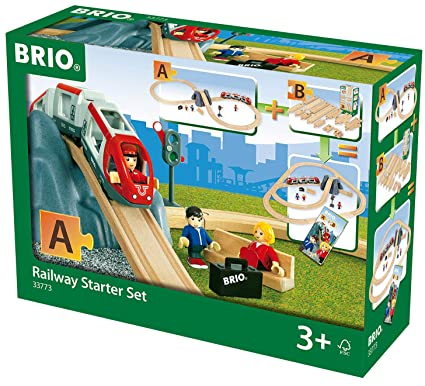 Brio World 33773 Railway Starter Set 26 Piece Toy Train With Accessories And Wooden Tracks For Kids Age 3 And Up
