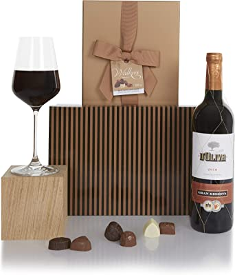 Set de vino tinto y chocolates presentado en una caja de regalo - Regalos de vino para