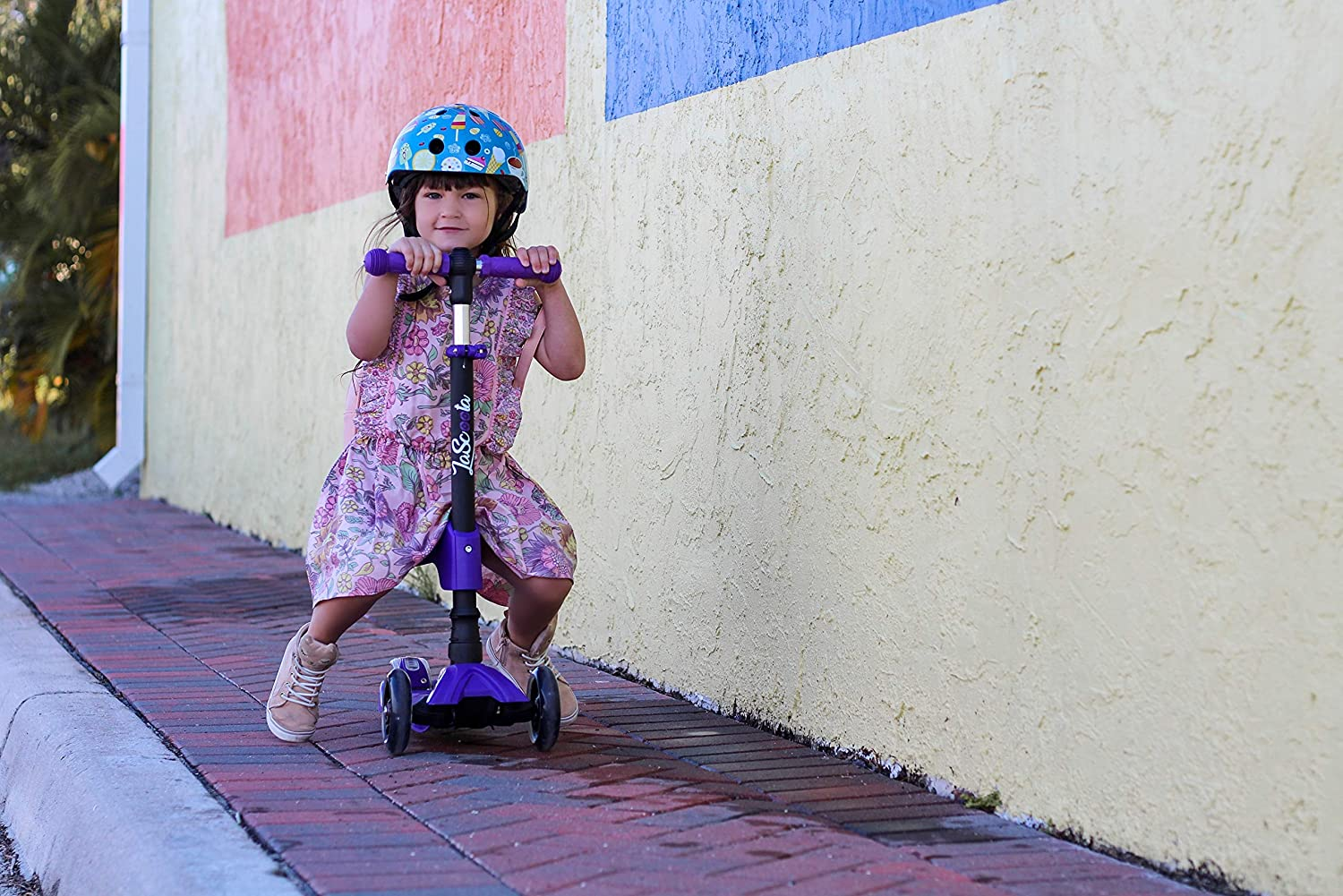 Lascoota 2-in-1 Kick Scooter with Removable Seat Great for Kids /& Toddlers Girls or Boys Adjustable Height w//Extra-Wide Deck PU Flashing Wheels for Children from 2 to 14 Year-Old