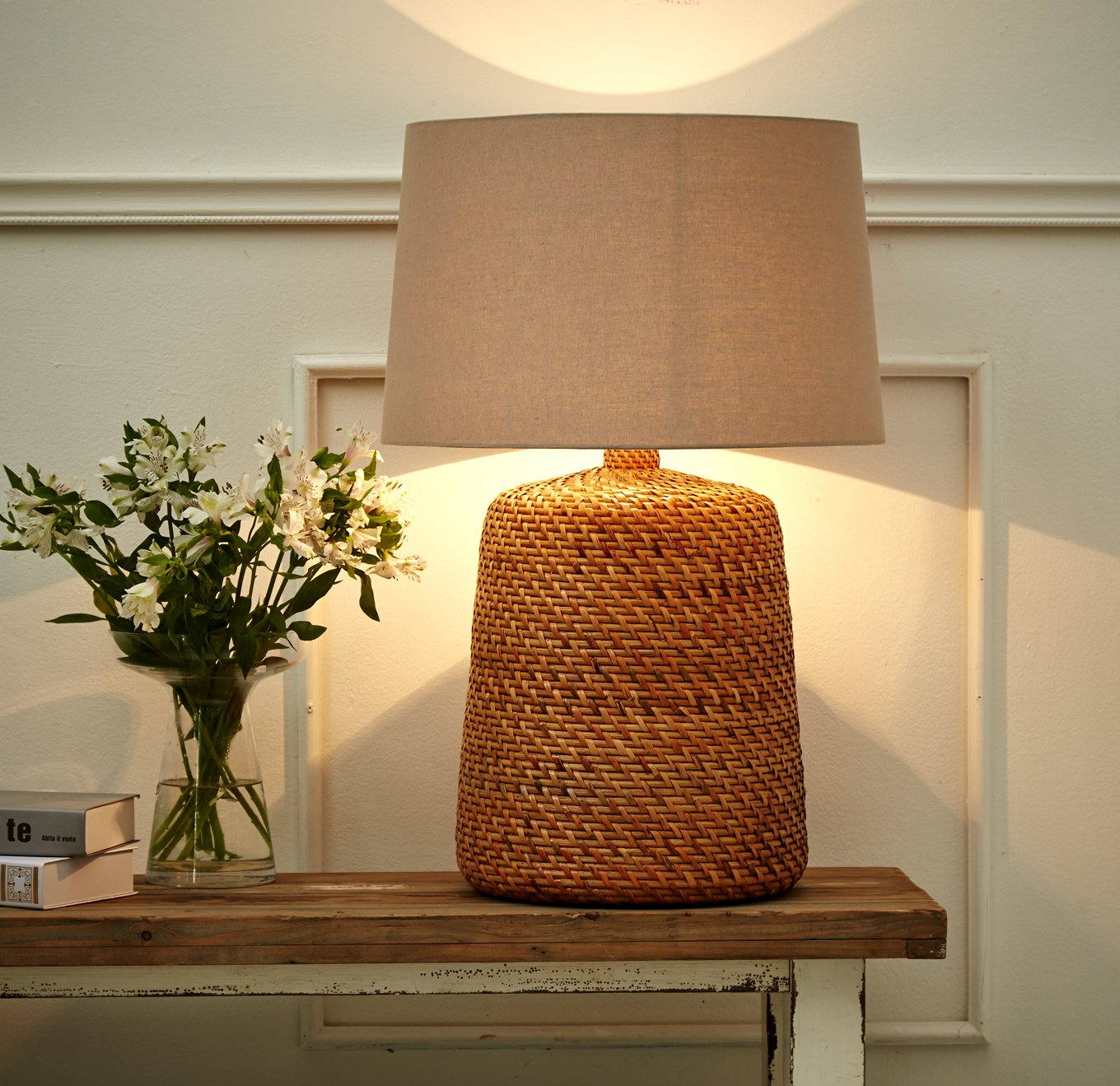 O'THENTIQUE Large Natural Rattan Wicker Table Lamp | Handmade Woven Basket with Premium Linen Shade Lamp | Handmade Coastal Nautical Tropical Design for Ocean Beach House Cabin Cottage Decor