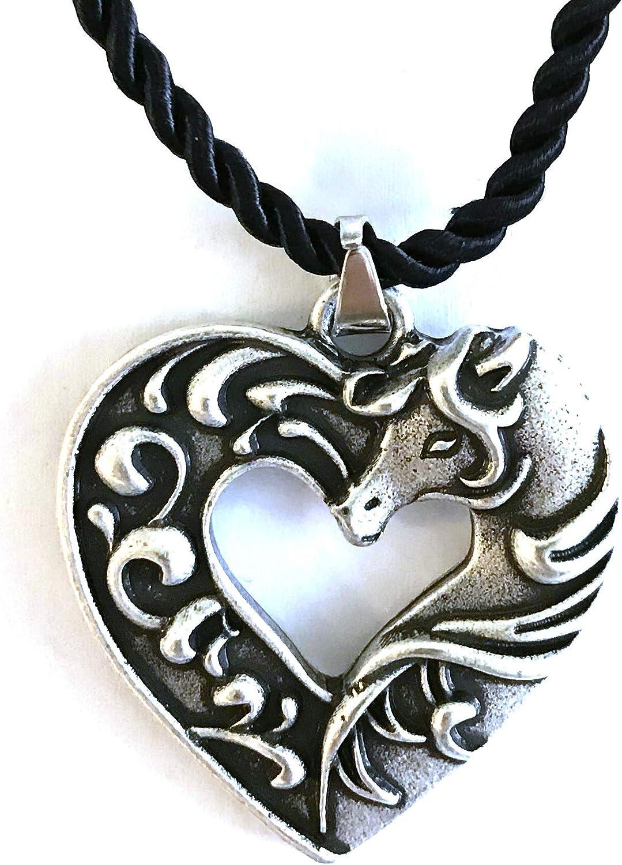 Collar con diseño de caballo en forma de corazón, con colgante de pony, símbolo del amor y amistad, cordón trenzado negro, regalo original para mujer, niño, adolescente, caballero para el día de la m