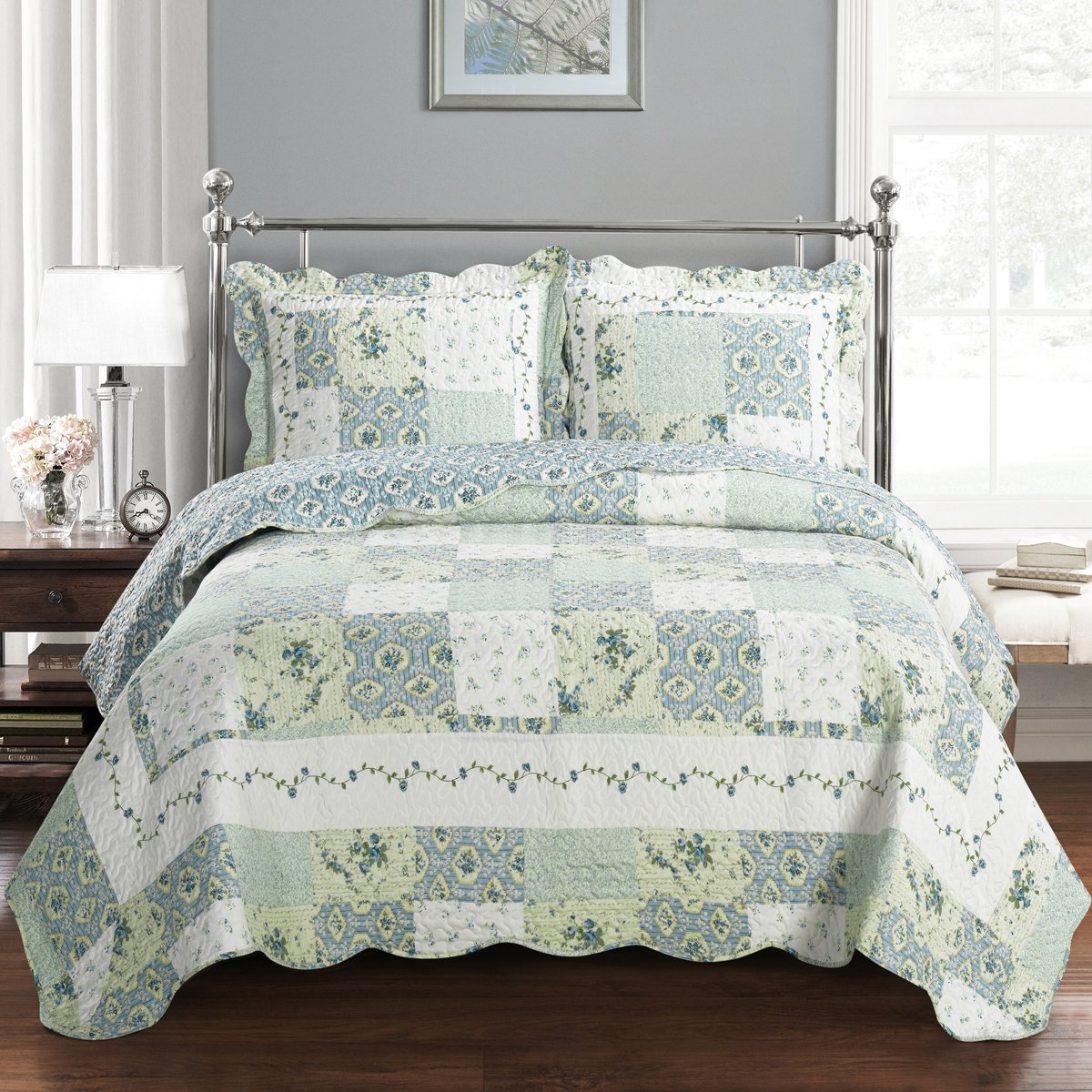 Deluxe Brea Oversized Bedspread Set. Beautiful quilt is decorated with patches of various floral designs Creates the relaxing ambience of a resort in your bedroom. Bed Cover Quilt 2 Pieces Twin Set
