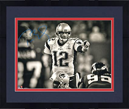 356e8c77b Framed Tom Brady New England Patriots Autographed 16 quot  x 20 quot  SB LI  Black and