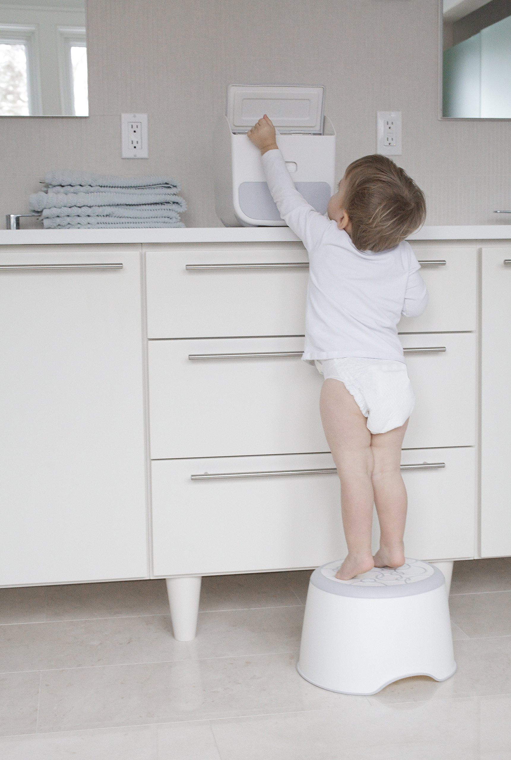 Ubbi Step Stool Safe, Stable and Sturdy for Toddlers, Non-Skid Rubber Surface and Contour, Easy to Clean and Modern Design, Navy by Ubbi