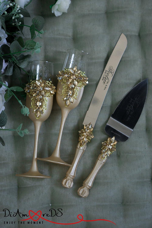 Gold Wedding Flutes and Cake Server Sets, Wedding Cake Cutting Set, Wedding Dé cor, Wedding Glasses, Wedding Champagne Flutes, Toasting Flute