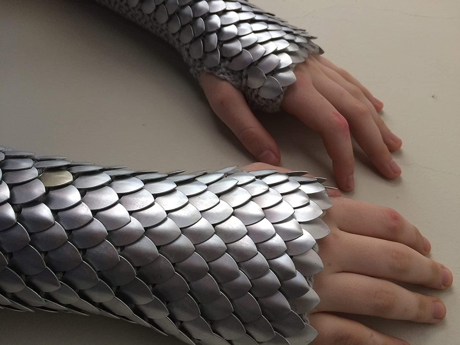 Frost Silver Mid-Arm Scalemail Gauntlets