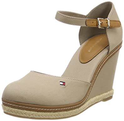 754176e33 Tommy Hilfiger Women s Iconic Basic Closed Toe Wedge Espadrilles ...
