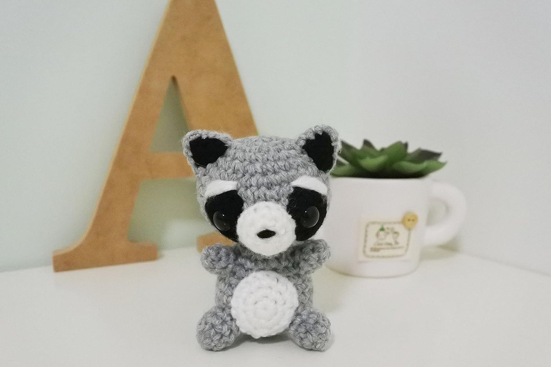 Crochet Raccoon Amigurumi Free Pattern | BeesDIY.com | 1000x1500
