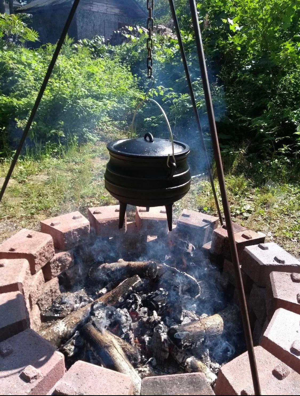 Cuisiland Cast Iron Potjie pot (10QT)