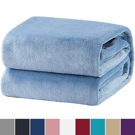 Bedsure Mantas para Sofas de Franela 130x150cm - Manta para Cama 90 Reversible de 100% Microfibre Extra Suave - Manta Azul Transpirable