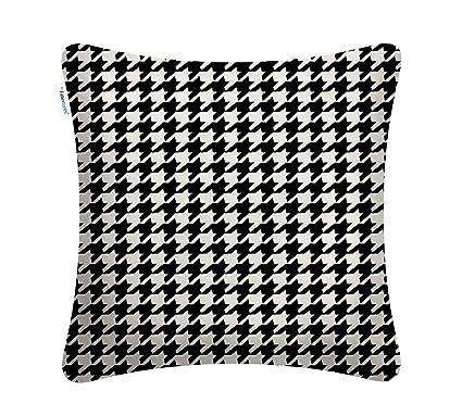 Amazon Com Fabritones Decorative Indoor Outdoor Accent Pillows