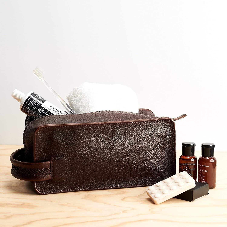 c674a06a8124 Amazon.com  Capra Leather Toiletry Bag for Men