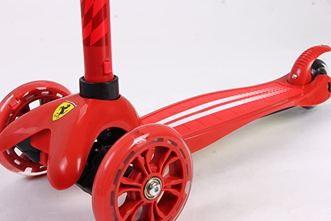 Amazon.com: Ferrari Twist Scooter, Rojo/Negro: Sports & Outdoors