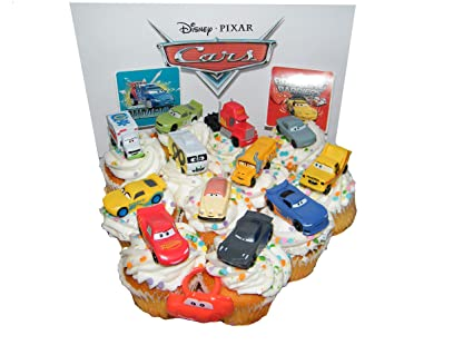 Amazon.com: Disney Cars Movie Deluxe Cake Toppers Para ...