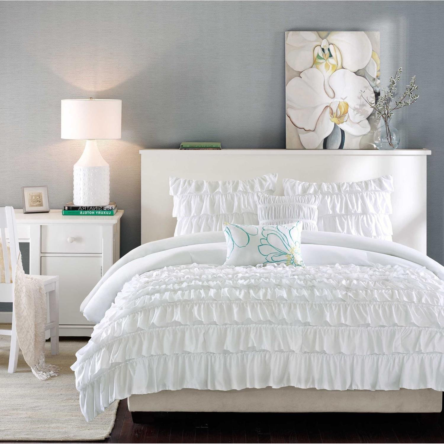 5 Piece White Ruffled Stripes Pattern Comforter Full Queen Set, Beautiful Chic Flowing Ruffles Lines Design, for Luxury Modern Bedrooms, Classic French Country Style, Neutral Solid Color, for Girls