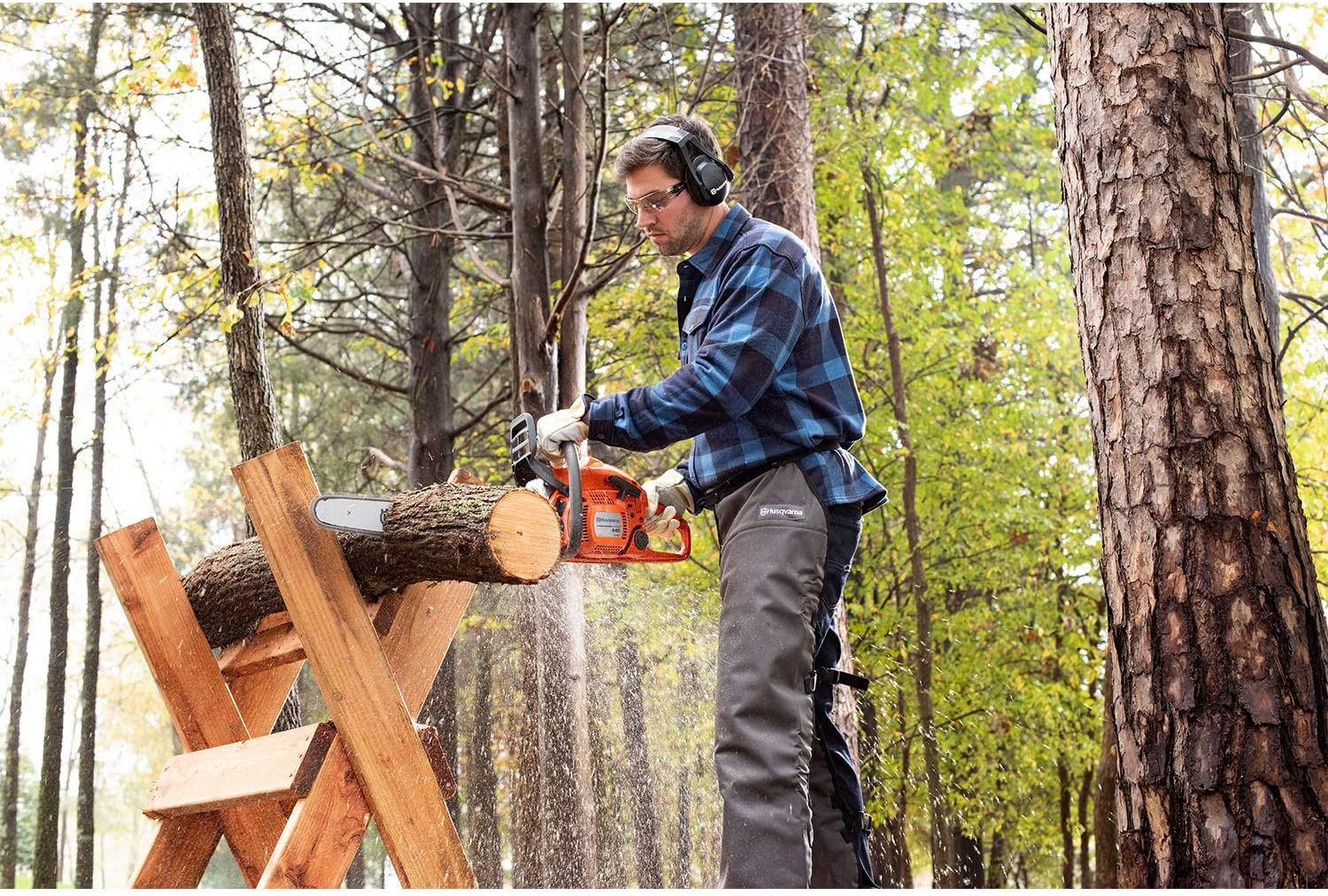 Best Chainsaws For Cutting Firewood 2021 – Reviews & Buying Guide