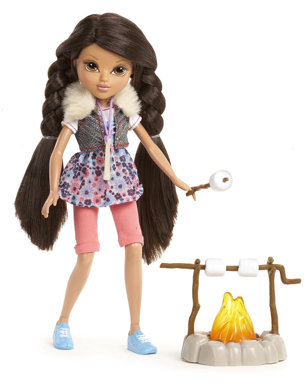 amazon com moxie girlz camping adventurez doll sophina toys