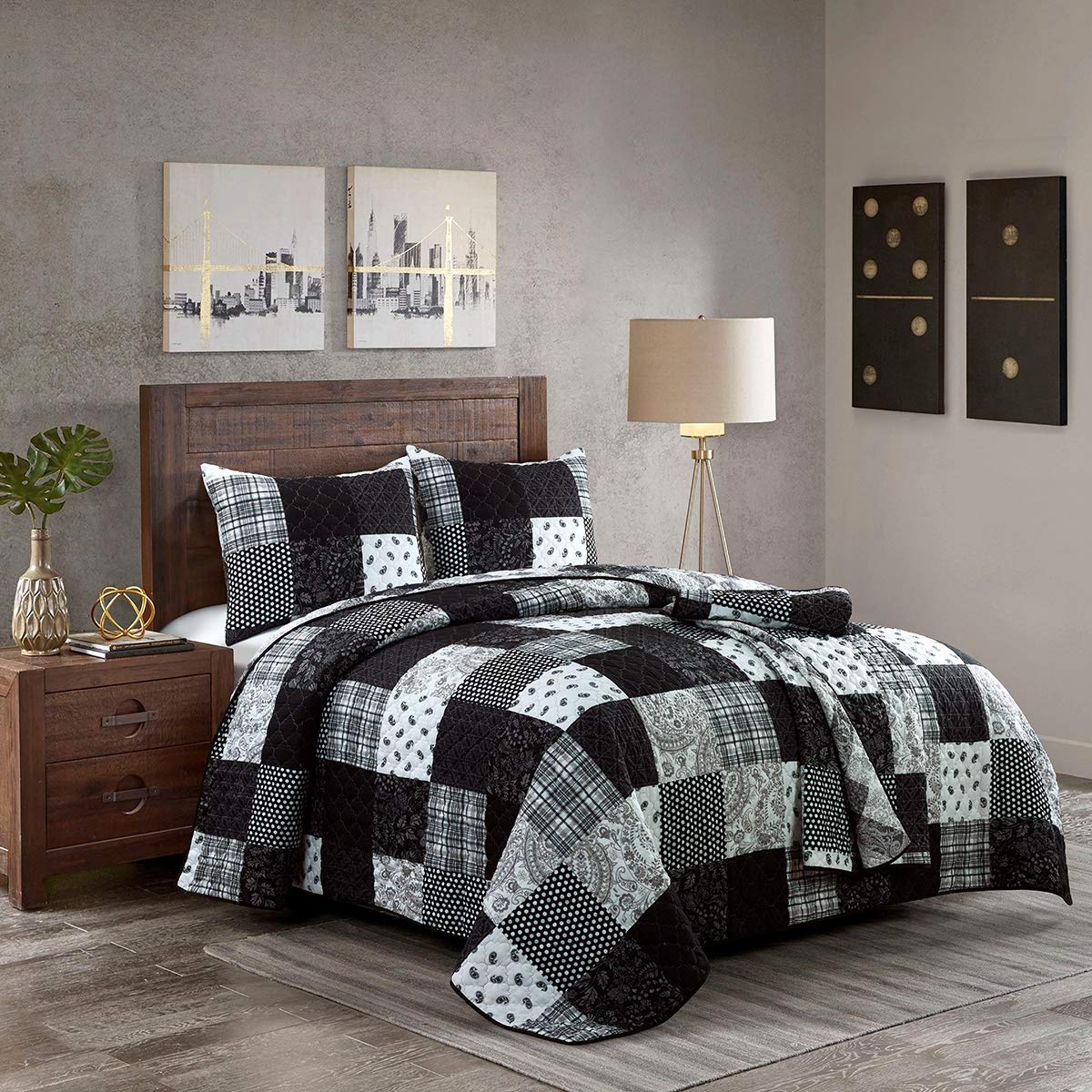 Full/Queen Bedding Set - 3 Piece - London by Donna Sharp - Contemporary Quilt Set with Full/Queen Quilt and Two Standard Pillow Shams - Fits Queen Size and Full Size Beds - Machine Washable