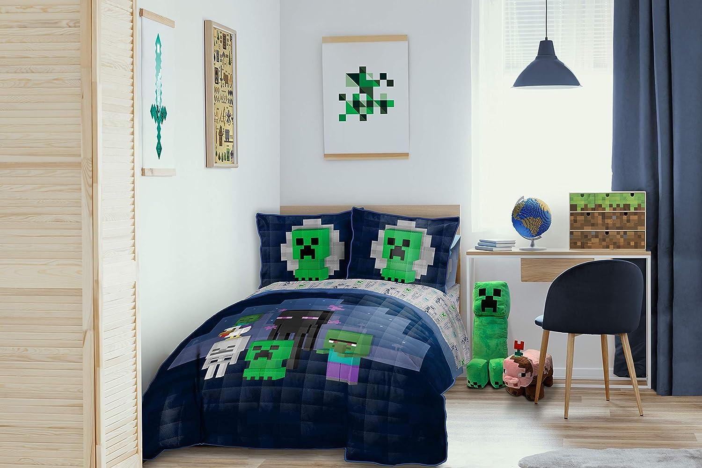 Jay Franco Minecraft Bad Night Full/Queen Quilt & Sham Set - Super Soft Kids Bedding Features Creeper & Enderman - Fade Resistant Microfiber