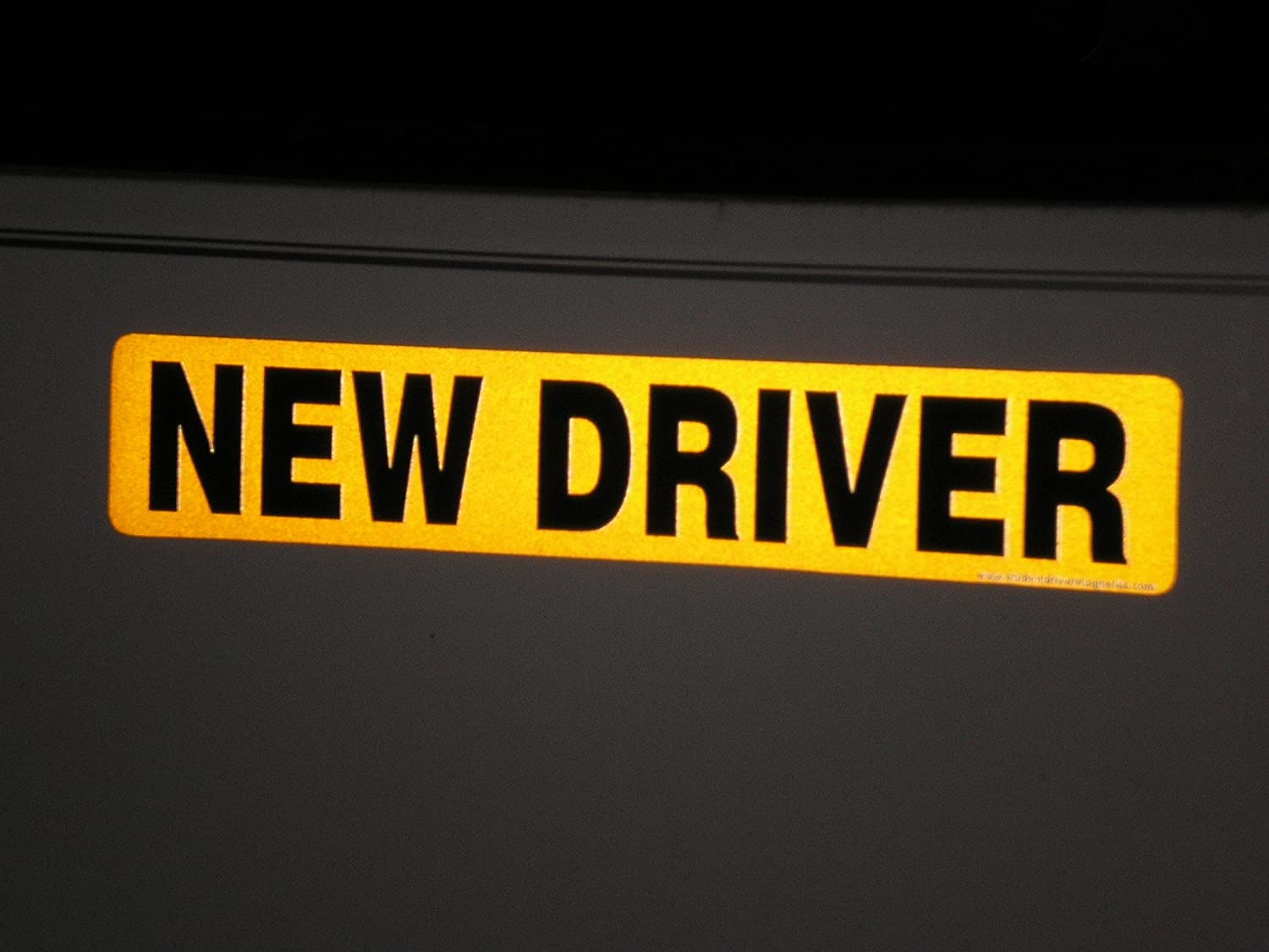 REFLECTIVE STUDENT DRIVER SAFETY Magnetic Sign NEW Heavy Duty On /& Off with Ease