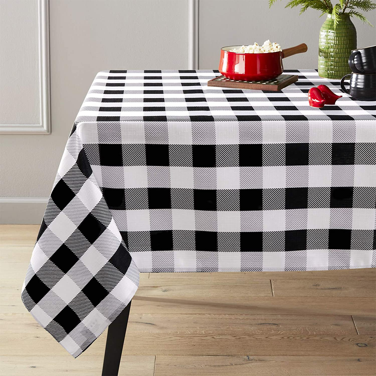 ColorBird Buffalo Check Tablecloth Farmhouse Style Water Resistant Spillproof Polyester Fabric Table Cover for Home Kitchen Thanksgiving Christmas (Rectangle/Oblong, 60 x 84 Inch, Black and White)